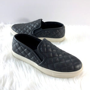 Steve Madden ECENTRCQ Slip-On Black Quilted Shoes